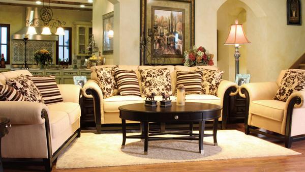 客厅布艺沙发颜色搭配方法
